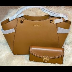 Michael Kors chain tote bag with fulton wallet